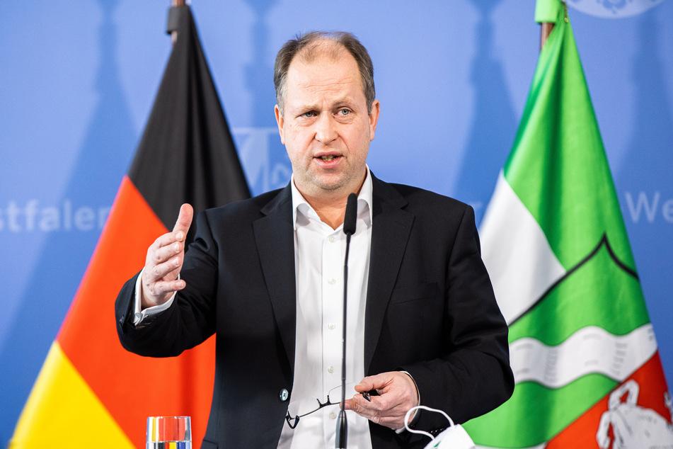 """NRW-Regierungsvize Joachim Stamp (FDP) fordert """"sehr zügig"""" Öffnungsschritte für den Handel."""