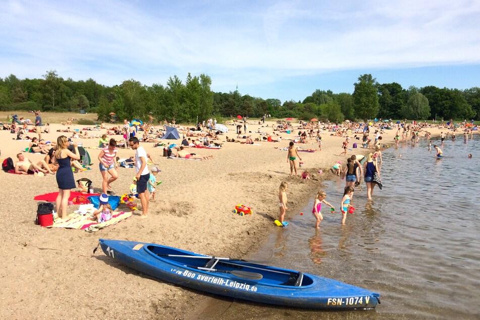 Baden, paddeln, picknicken, tauchen und die örtliche Gastronomie genießen: Der Cospudener See ist der perfekte Ort, um sich zu erholen.