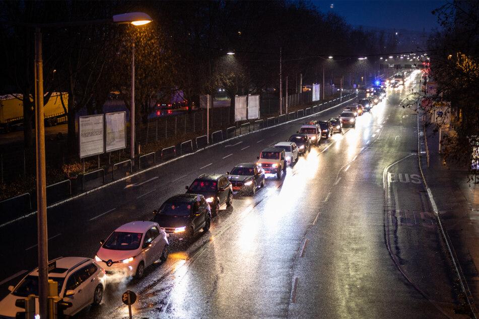 """Stuttgart: """"Querdenker"""" in Stuttgart: Hier müsst Ihr am Abend mit Behinderungen rechnen"""