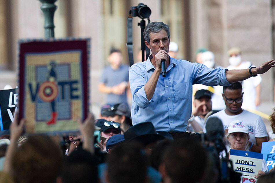 """Beto O'Rourke is helping Texans get registered to vote with """"Drive-to-You"""" program"""