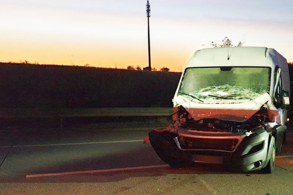 Heftiger Crash auf der A9: Schwerverletzter aus Wrack geborgen