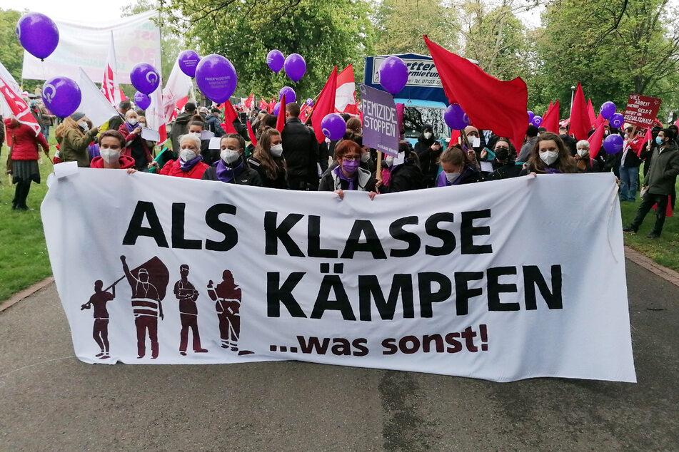 Kundgebungs-Teilnehmer am Samstag in Stuttgart.