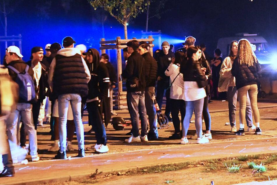 Bereits in der Nacht zu Samstag musste die Berliner Polizei den Mauerpark von Feierwütigen räumen.