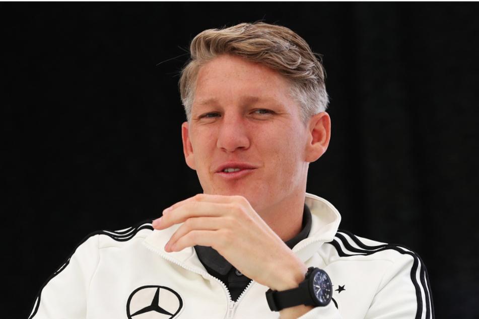Bastian Schweinsteiger hofft, dass Mario Götze einen Verein findet, bei dem er wieder regelmäßig spielt.