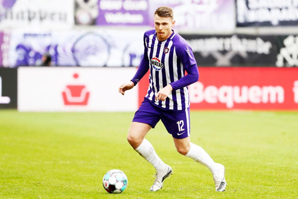 Steve Breitkreuz (29) bestritt für den FC Erzgebirge Aue insgesamt 120 Einsätze (sechs Tore, sieben Vorlagen) und wechselt nun mit der Erfahrung von 92 Zweitliga-Partien zum SSV Jahn Regensburg.