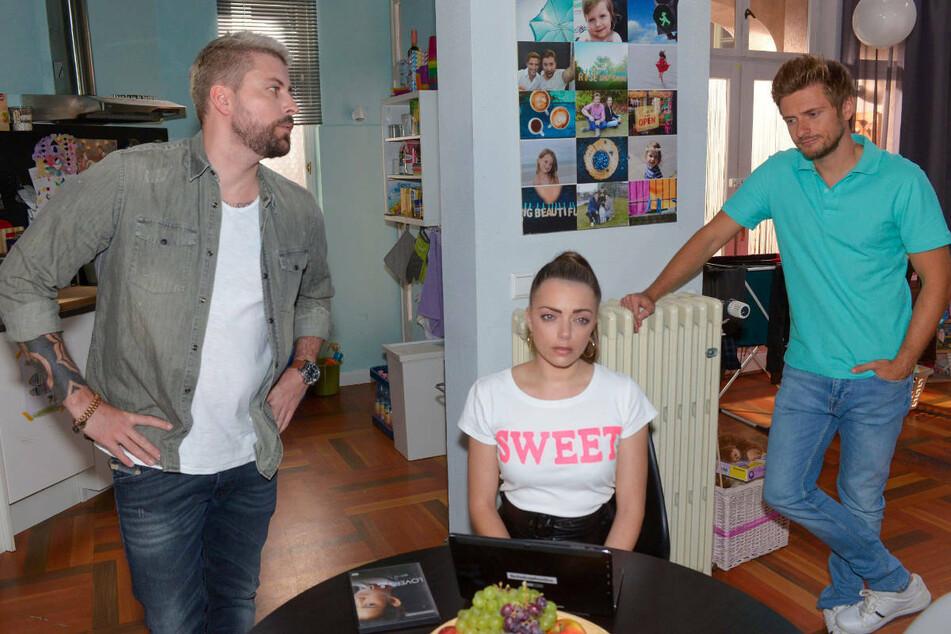 Emily ist nach dem Abschied von Paul sehr traurig. Nun ist es an ihren Brüdern John (l.) und Philip, ihre Schwester wieder aufzubauen.
