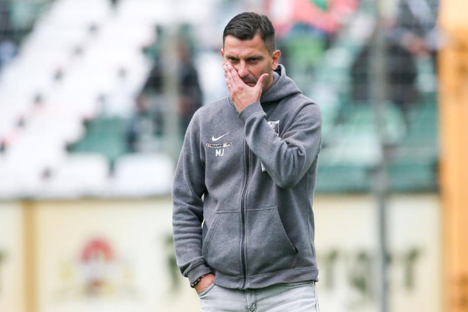 Chemie-Coach Miroslav Jagatic dürfte nicht erfreut sein über die Chancennutzung seiner Mannschaft.