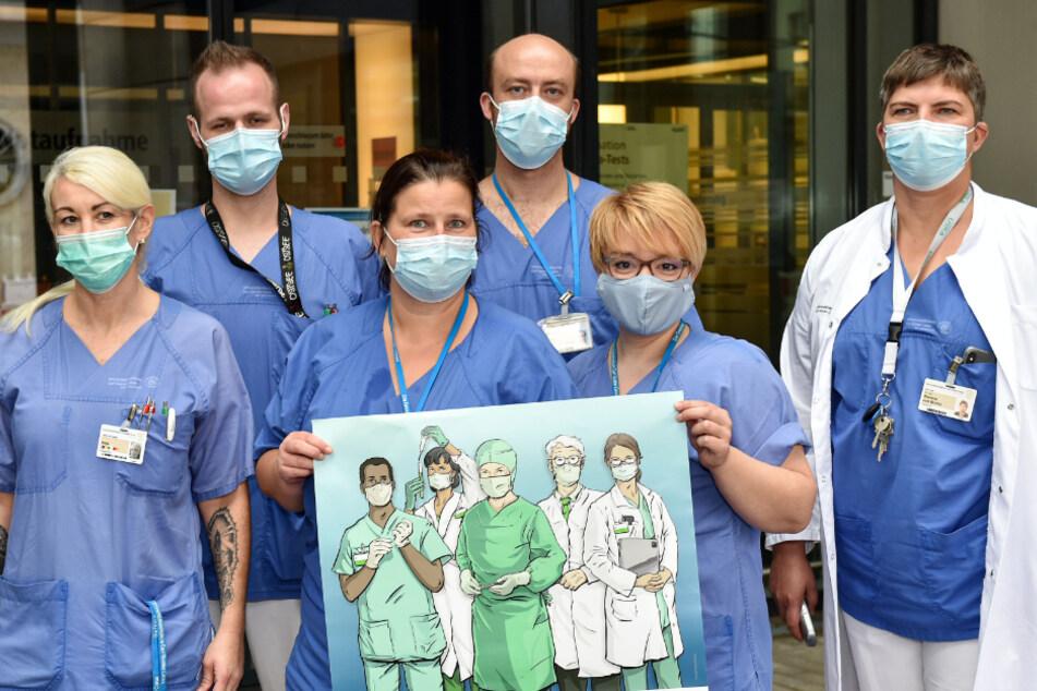 """""""Bitte nutzen Sie unsere Leistungen nur, wenn Sie sie wirklich benötigen"""": Das Team um Dr. Simone von Bonin (48, rechts) vom Uni-Klinikum Dresden wirbt dafür, überflüssige Besuche wegen des Infektionsrisikos zu vermeiden."""