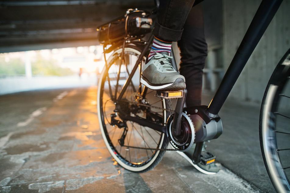 Mit 40 km/h! Betrunkener Radfahrer von Polizei erwischt