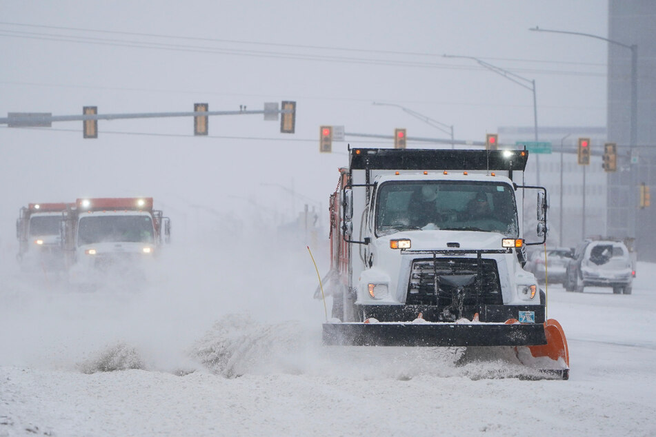Mehrere Tote, Menschen frieren, Stromausfälle: Wintersturm führt zu chaotischen Zuständen