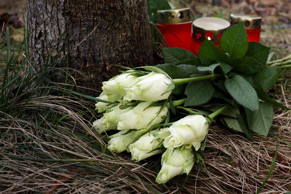 Auto rast in Fußgänger-Gruppe: Drittes Opfer stirbt in Klinik