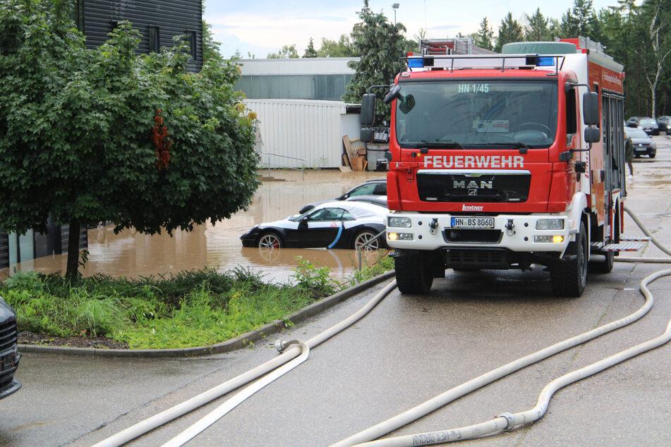Am Donnerstag stand dieses Gelände eines Heilbronner Autohauses nach starken Regenfällen unter Wasser.