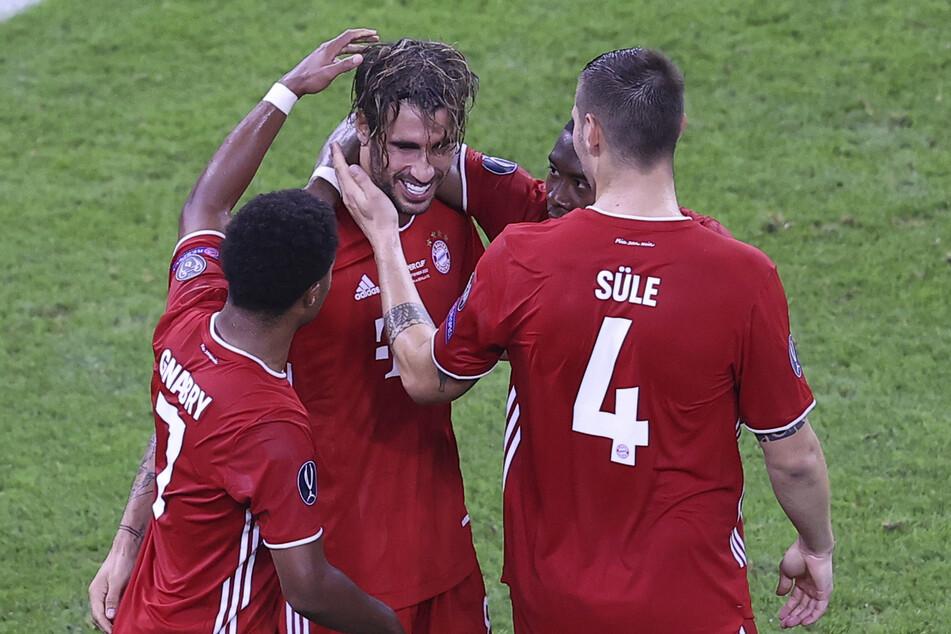 Javi Martínez (32, 2.v.l.) wird den FC Bayern München verlassen.