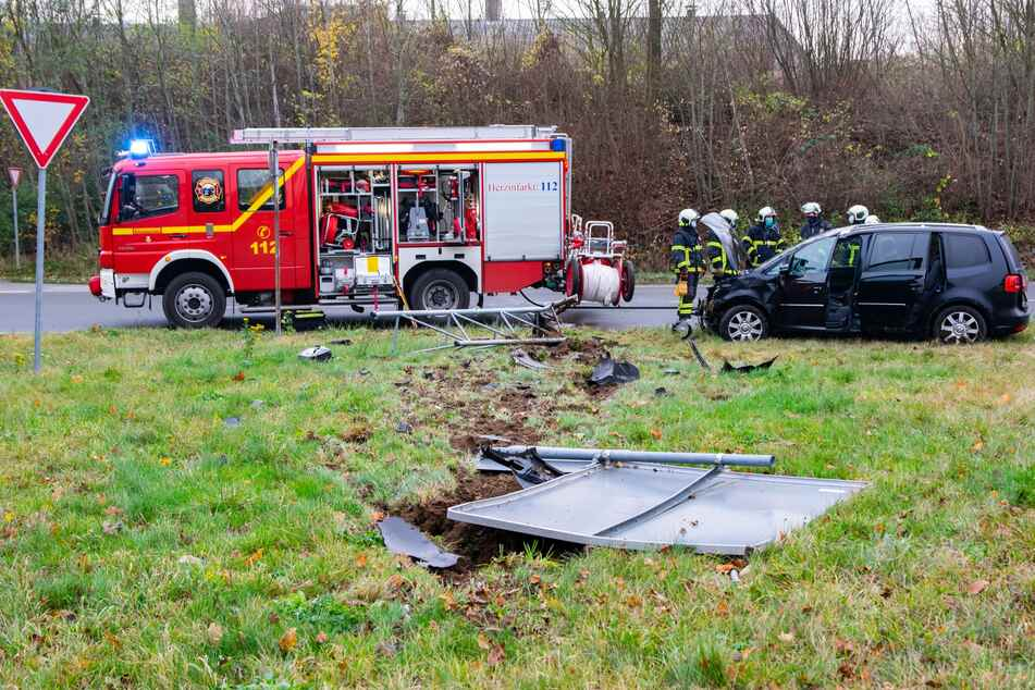 Rettungskräfte am Unfallort.