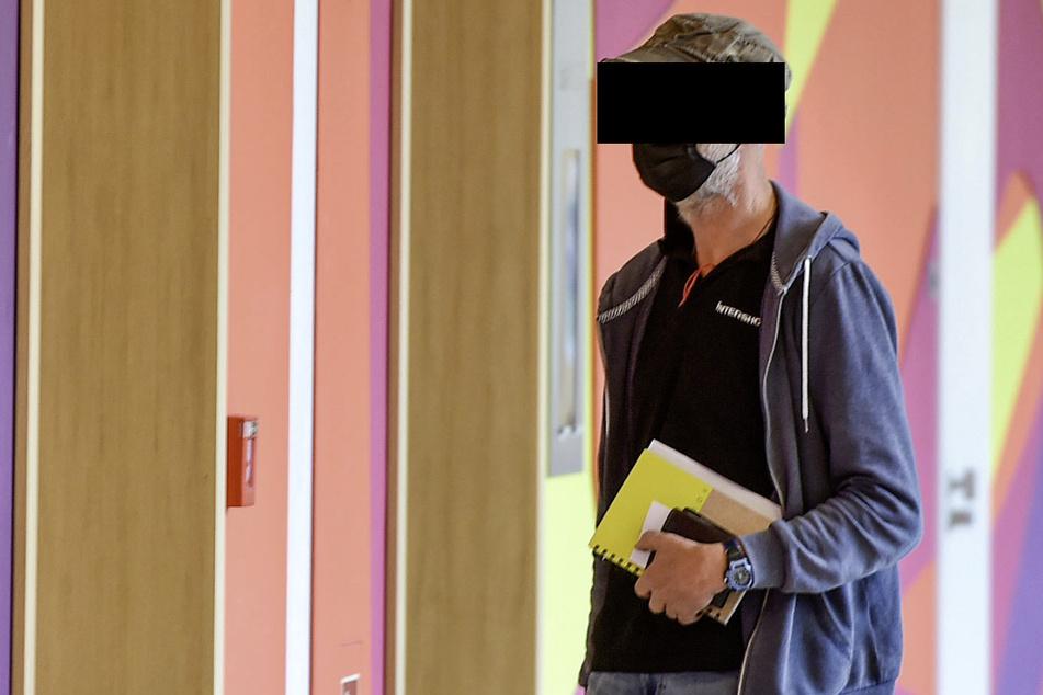Kai-Uwe D. (54) will die Zigaretten legal gekauft haben.