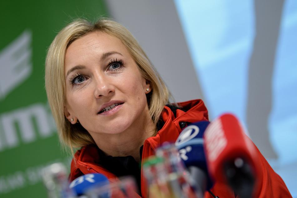 Seit September 2019 dreht sich für Eiskunstlauf-Olympiasiegerin Aljona Savchenko alles um Töchterchen Amilia.