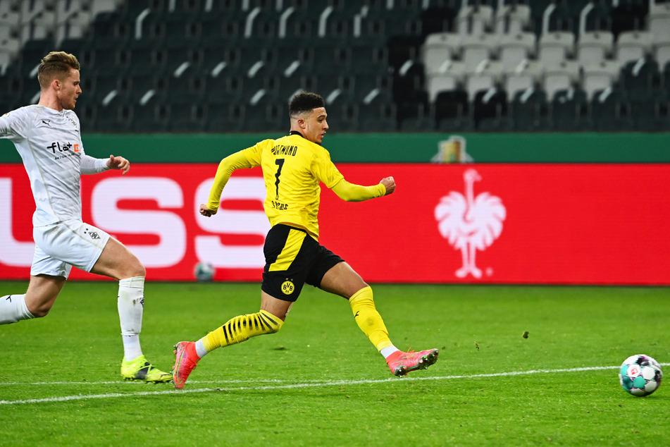 Die Führung! Jadon Sancho (r.) erzielt das 1:0 für Borussia Dortmund.