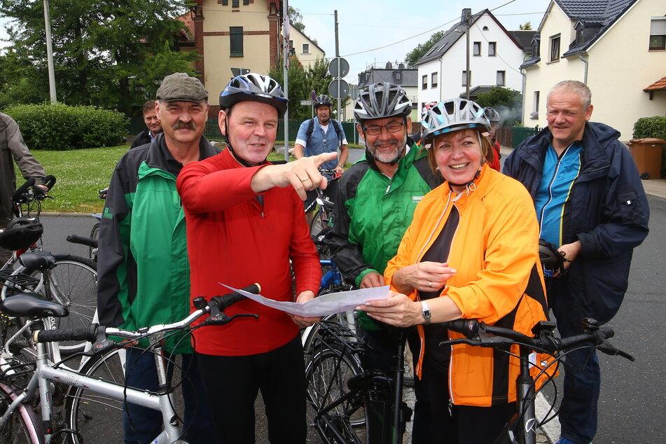 Die Landtagsabgeordnete Ines Springer (64, 2. v.r.) lud schon 2016 zur Fahrradtour, um für den Mulderadweg zu werben.