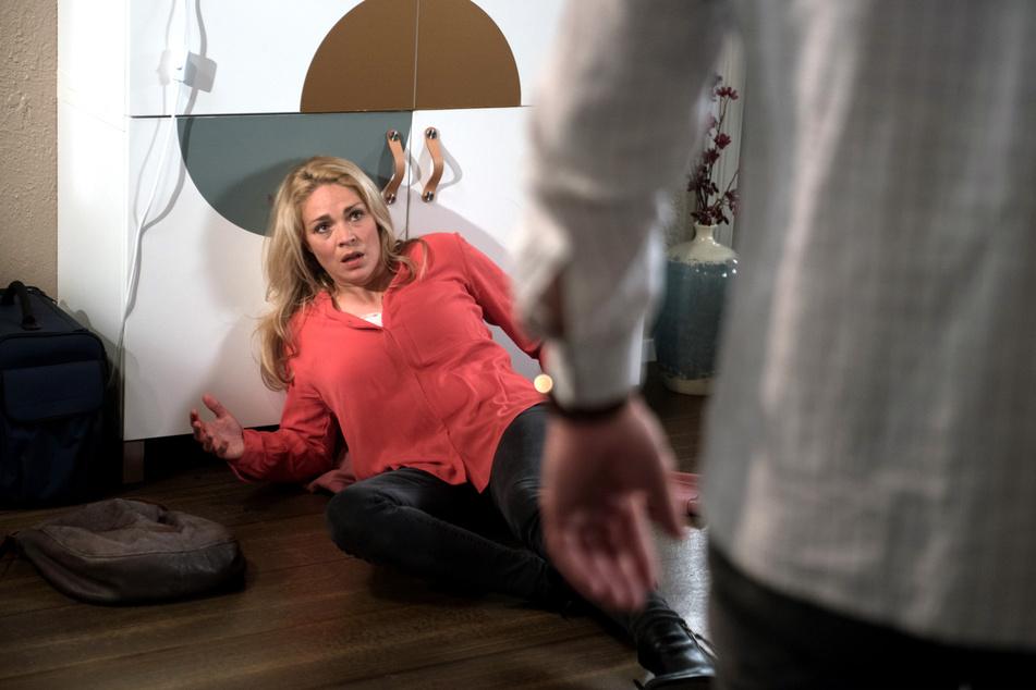 Britta ist schockiert: Luke hat sie wirklich geschlagen.