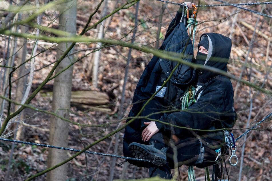Polizeieinsatz im Bahnhofswald: Räumungsarbeiten unterbrochen