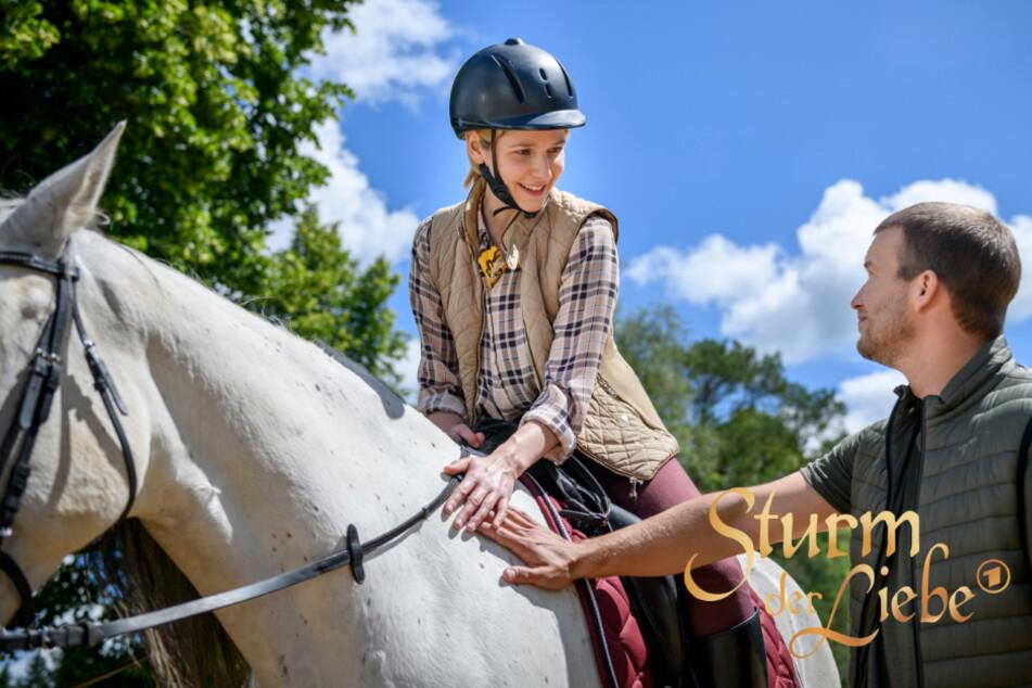 Sturm der Liebe: Amelie und Tim vereint die Liebe zu Pferden.