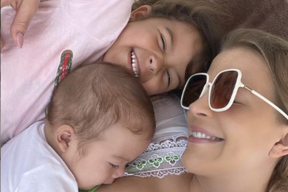 Ina Aogo kann wieder mit ihren Kindern Payten und Princeten lachen.