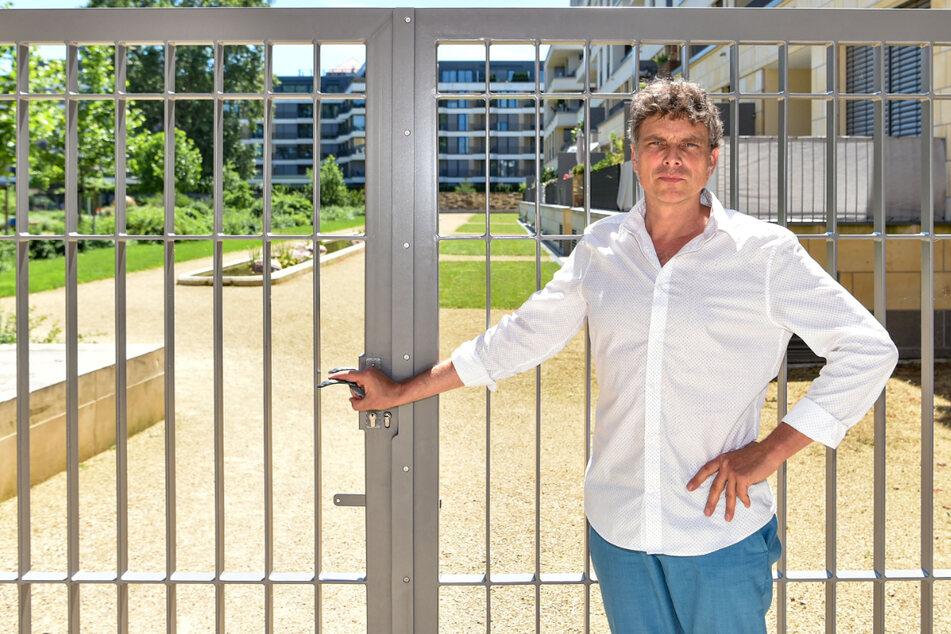 Thomas Löser (49, Grüne) will sich dafür einsetzen, dass das Tor zum Herzogin Garten wieder dauerhaft offen ist.