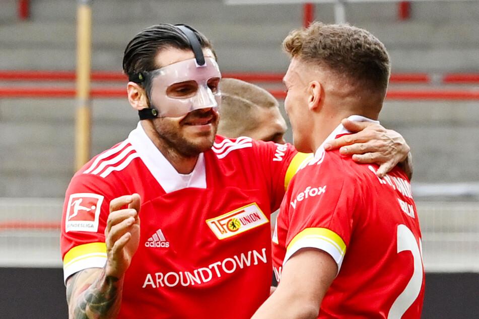 Unions Grischa Prömel (r.) jubelt nach seinem Tor zum 1:0 mit Vorlagengeber Christopher Trimmel (l.).
