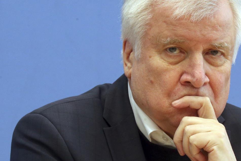 Vertreter von FDP und Grünen vermissen in der Corona-Krise öffentliche Stellungnahmen von Bundesinnenminister Horst Seehofer (CSU).