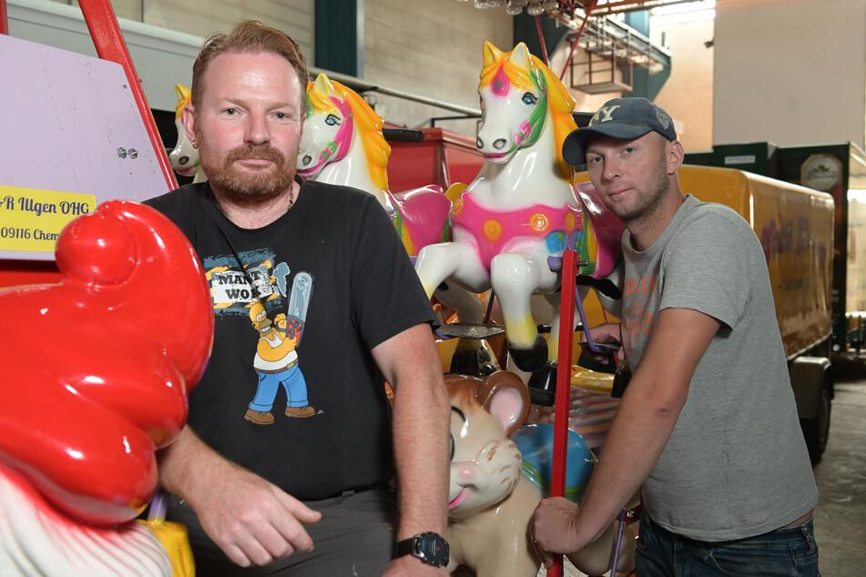 Schausteller Rico Illgen (43) und Tim Schanze (37) reisen heute zur Demo nach Berlin.