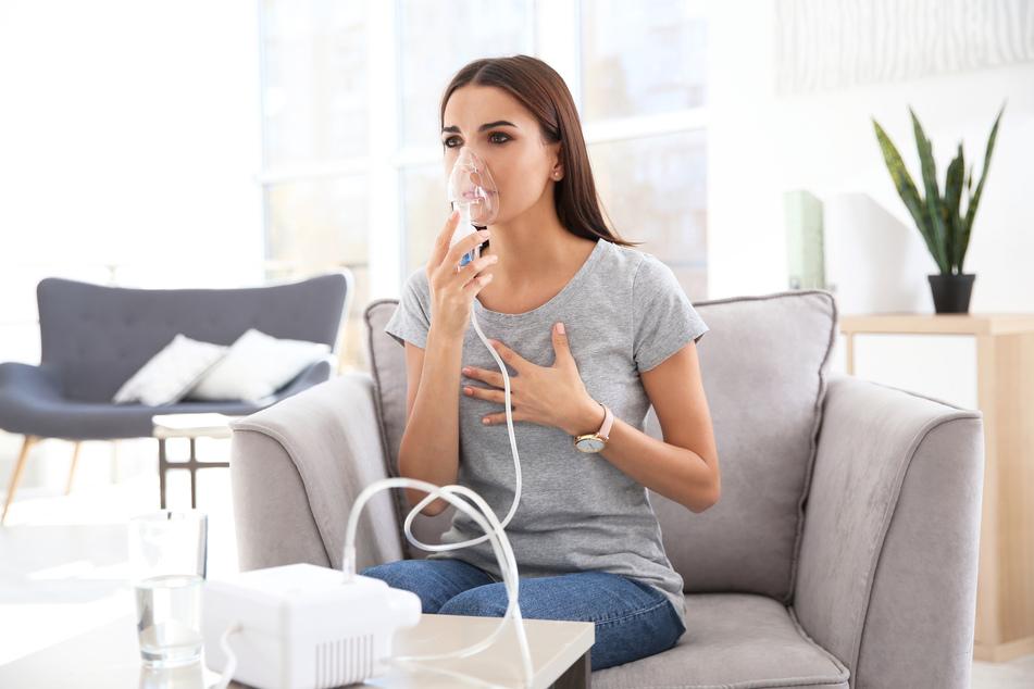 Gerade im Zuge der Corona-Pandemie haben viele Menschen negative Erfahrungen bezüglich des Atmens gemacht. (Symbolbild)