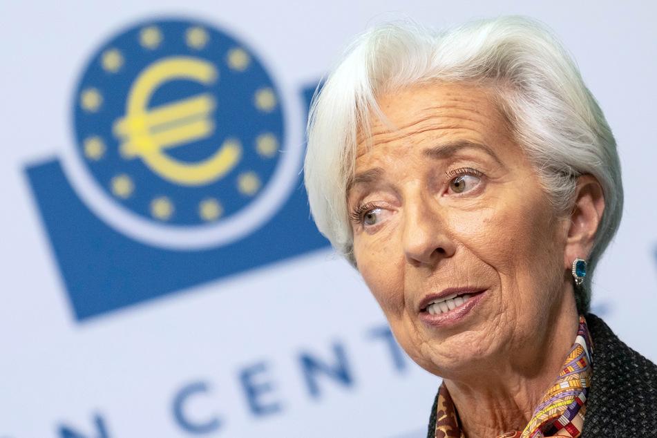 EZB-Präsidentin Christine Lagarde hat angesichts der zweiten Corona-Welle ein eher düsteres Bild der wirtschaftlichen Aussichten gezeichnet.