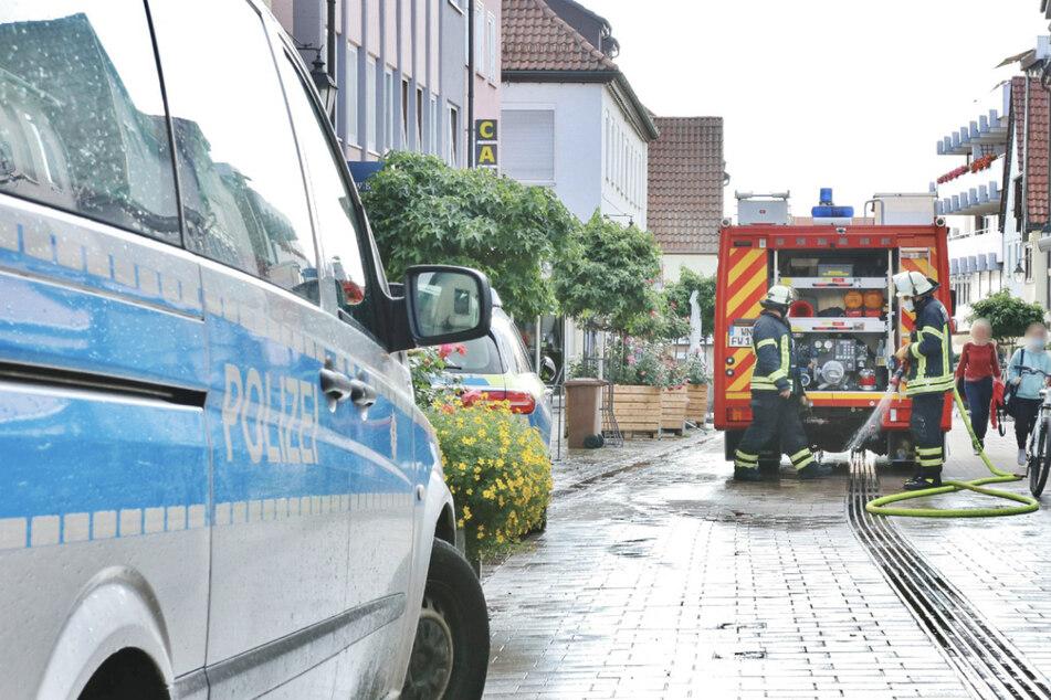 Einsatzkräfte in der Winnender Innenstadt. Bei einer Schlägerei wurde ein Mann schwer verletzt.