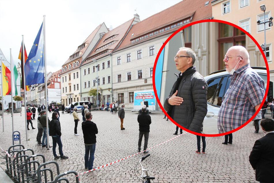AfD demonstriert in Pirna mit 30 Mann - und ohne Masken?
