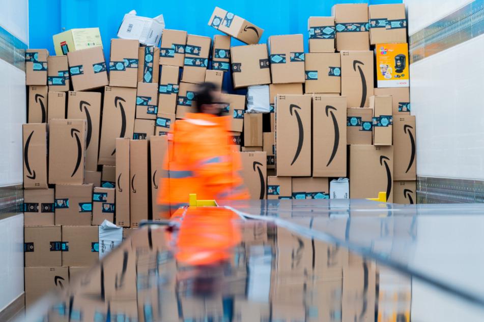 Das Bundesverwaltungsgericht in Leipzig verhandelt über einen seit Jahren schwelenden Streit zur Sonntagsarbeit bei Amazon in der Weihnachtszeit. (Symbolbild)