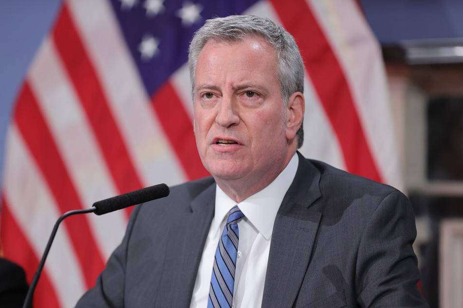 """New Yorks Bürgermeister Bill de Blasio sieht in den Maßnahmen die """"letzte Chance"""", eine zweite Corona-Welle zu verhindern."""