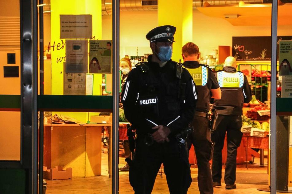 Hamburg: Bewaffneter Raubüberfall auf Biomarkt: Täter auf der Flucht