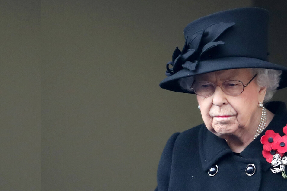 Royal grief: Queen mourns the unexpected death of her beloved dog
