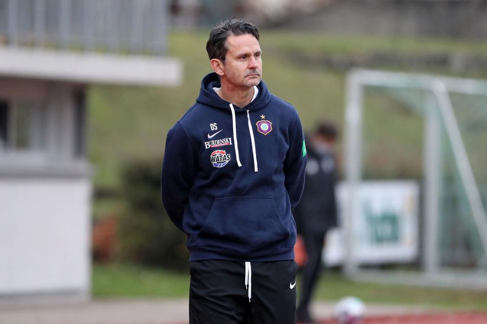 Veilchen-Trainer Dirk Schuster hat vor dem kommende Heimspiel gegen Darmstadt 98 noch viel zu tun.