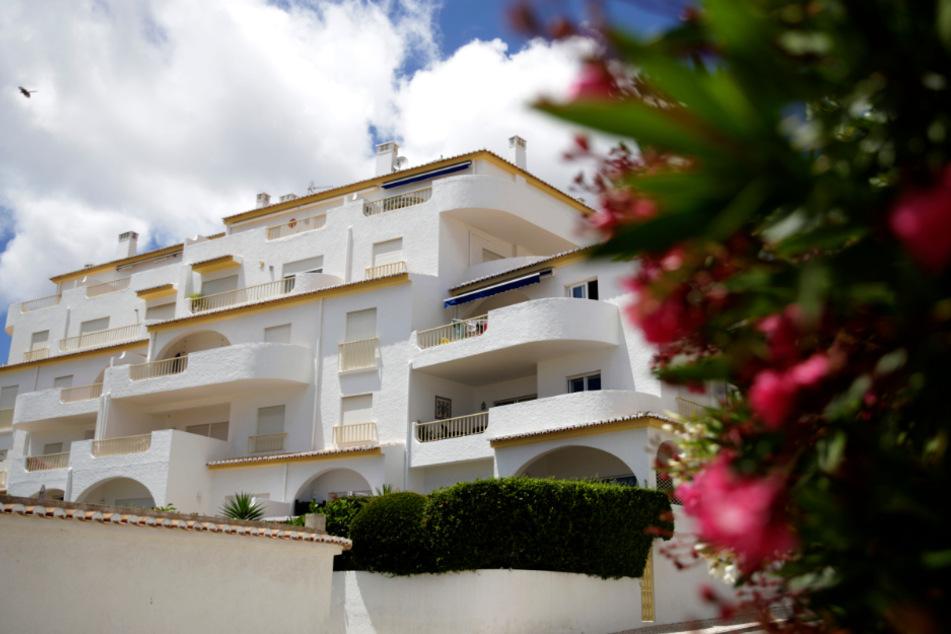 Der Appartmentkomplex in Praia da Luz an der portugiesischen Algarveküste, aus dem Madeleine McCann am 03. Mai 2007 verschwand.
