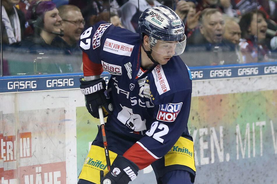 """Der deutsche Eishockey-Nationalspieler Marcel Noebels ist sich sicher: """"Den Alltag aus Vor-Corona-Zeiten, den wird es nie mehr geben."""""""