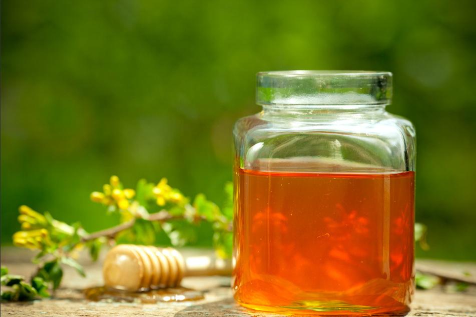 Was steckt im Glas? Verbraucher wissen oft nicht, wo ihr Honig herkommt. (Symbolbild)