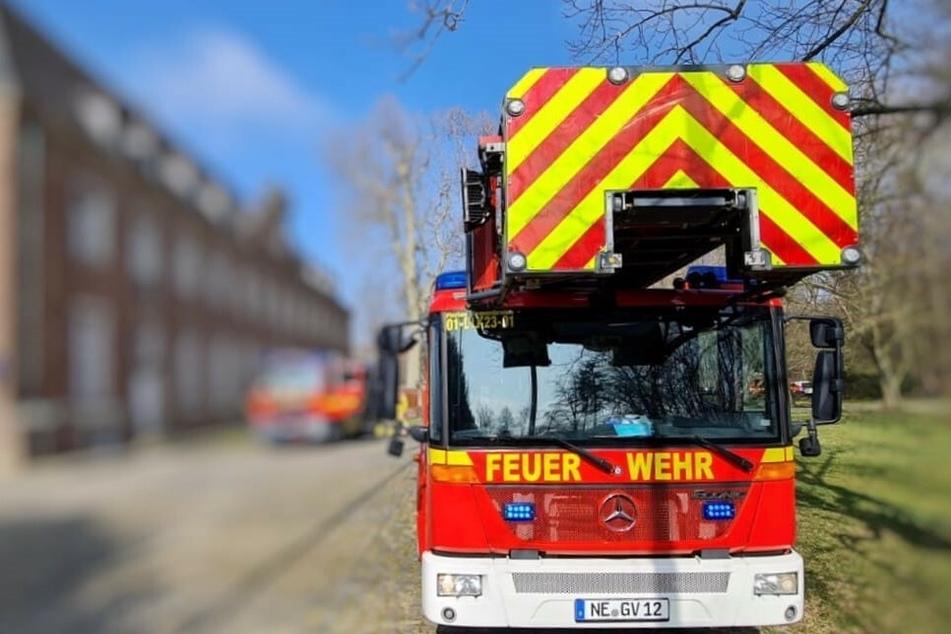 Feuer im Kloster: Feuerwehr rettet zehn Menschen aus Gebäude