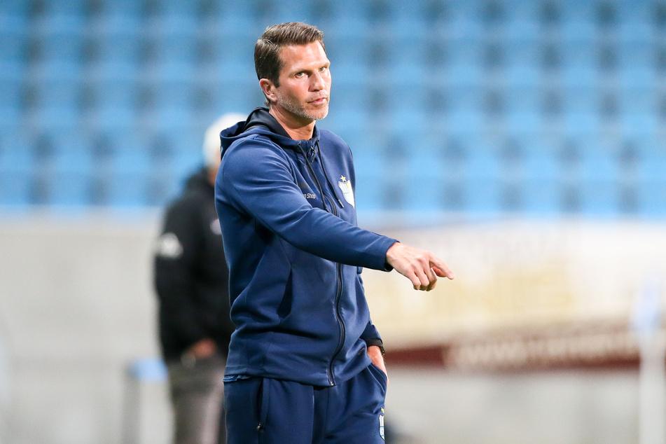 Chemnitz-Trainer Patrick Glöckner sah eine gute Leistung seines Teams in Duisburg. Allerdings auch zwei Gegentore durch eigene Fehler.