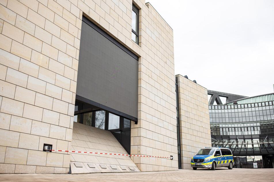 Steinwurf-Attacke auf Düsseldorfer Landtag: Polizei ermittelt