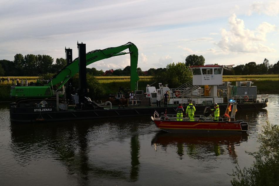 Bei Fotoshooting: Auto von Teenager versinkt in der Weser