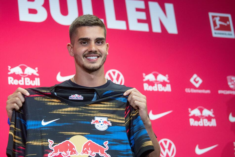 """André Silva (25) erzielte in der abgelaufenen Spielzeit satte 28 Treffer für die """"Adlerträger"""". In der Saison 21/22 geht er für RB Leipzig auf Torejagd und wird für die Hessen nur schwer zu ersetzen sein."""