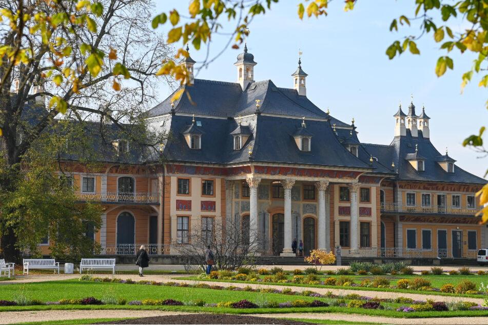 Im Schlosspark geht es auf Spurensuche.