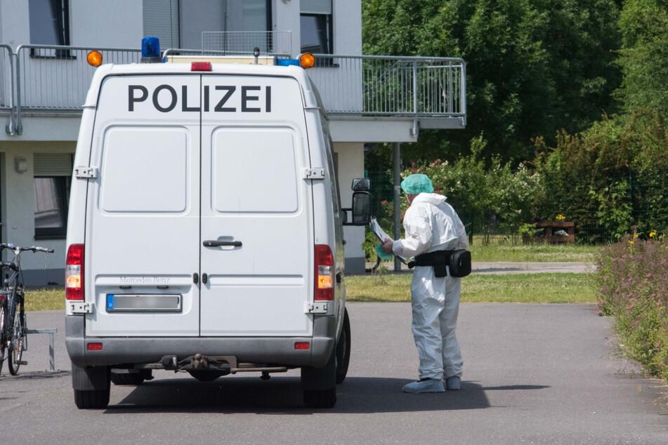 Die Mordkommission ermittelt, da es sich um ein Tötungsdelikt handeln könnte.