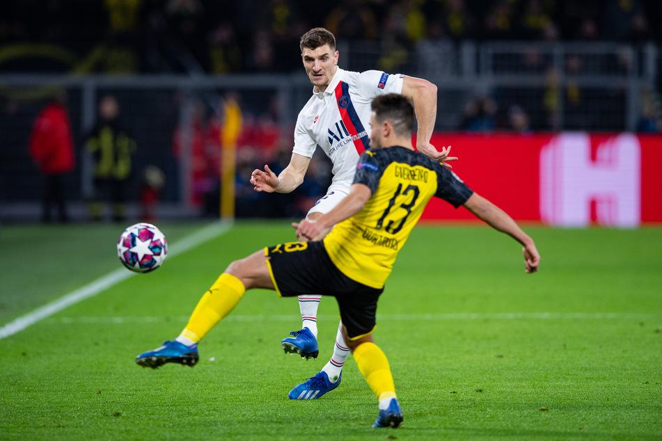 Bis jetzt spielte der Rechtsverteidiger noch nie für, sondern immer nur gegen Dortmund. Wie hier im Achtelfinal-Hinspiel der Champions League im Februar 2020, das der BVB mit 2:1 gewann. (Archivbild)